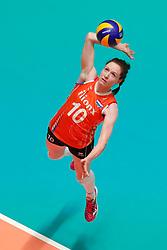 20180531 NED: Volleyball Nations League Netherlands - Brazil, Apeldoorn<br />Lonneke Sloetjes (10) of The Netherlands <br />©2018-FotoHoogendoorn.nl