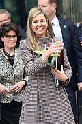 Koningin Maxima houdt toespraak tijdens bezoek aan seminar Meedoen Geld(t)? op De Haagse Hogeschool in Den Haag<br /> <br /> Queen Maxima holds a speech during visit to seminar Participation Money (t)? at The Hague University in The Hague<br /> <br /> Op de foto / On the photo: Koningin Maxima / Queen Maxima