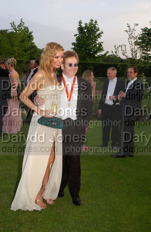 Catalina and Sir Elton John, Sir Elton John's White Tie and Tiara Ball. Windsor, 28 June 2003. © Copyright Photograph by Dafydd Jones 66 Stockwell Park Rd. London SW9 0DA Tel 020 7733 0108 www.dafjones.com