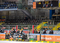 12.01.2021, Keine Sorgen Eisarena, Linz, AUT, ICE, iClinic Bratislava Capitals vs Black Wings 1992, 30. Runde, im Bild 2 zu 3 Niederlage für Linz // during the bet-at-home ICE Hockey League 30th round match between iClinic Bratislava Capitals and Black Wings 1992 at the Keine Sorgen Eisarena in Linz, Austria on 2021/01/12. EXPA Pictures © 2020, PhotoCredit: EXPA/ Reinhard Eisenbauer