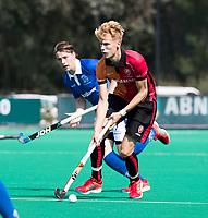 ROTTERDAM - Joep de Mol (Oranje-Rood) met Ties Ceulemans (Kampong)  tijdens de wedstrijd om de derde plaats , Kampong- Oranje Rood , bij de ABN AMRO cup. COPYRIGHT KOEN SUYK