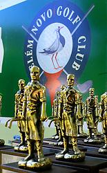Troféus para os vencedores do XIII Aberto do Belém Novo Golf Club.  FOTO: Itamar Aguiar/Preview.com