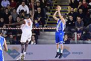 DESCRIZIONE : Roma Lega serie A 2013/14 Acea Virtus Roma Banco Di Sardegna Sassari<br /> GIOCATORE : Diener Travis<br /> CATEGORIA : tiro tre  punti controcampo<br /> SQUADRA : Banco Di Sardegna Dinamo Sassari<br /> EVENTO : Campionato Lega Serie A 2013-2014<br /> GARA : Acea Virtus Roma Banco Di Sardegna Sassari<br /> DATA : 22/12/2013<br /> SPORT : Pallacanestro<br /> AUTORE : Agenzia Ciamillo-Castoria/ManoloGreco<br /> Galleria : Lega Seria A 2013-2014<br /> Fotonotizia : Roma Lega serie A 2013/14 Acea Virtus Roma Banco Di Sardegna Sassari<br /> Predefinita :