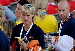 06-08-2006 ATLETIEK: EUROPEES KAMPIOENSSCHAP: GOTHENBORG <br /> De openingsceremonie van de 29th European Championships Athletics werd op de Gotaplatsen gehouden / Jacqueline Poelman<br /> ©2006-WWW.FOTOHOOGENDOORN.NL