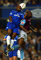 Fotball<br /> Foto: BPI/Digitalsport<br /> NORWAY ONLY<br /> <br /> Chelsea v West Ham United<br /> Carling Cup third round. 27/10/2004<br /> <br /> William Gallas of Chelsea beats Nigel Reo-Coker in the air