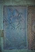 Herb na scianie portalu przy wejsciu na Wawel<br /> Crest on wall of portal at entry on Wawel, Cracow, Poland
