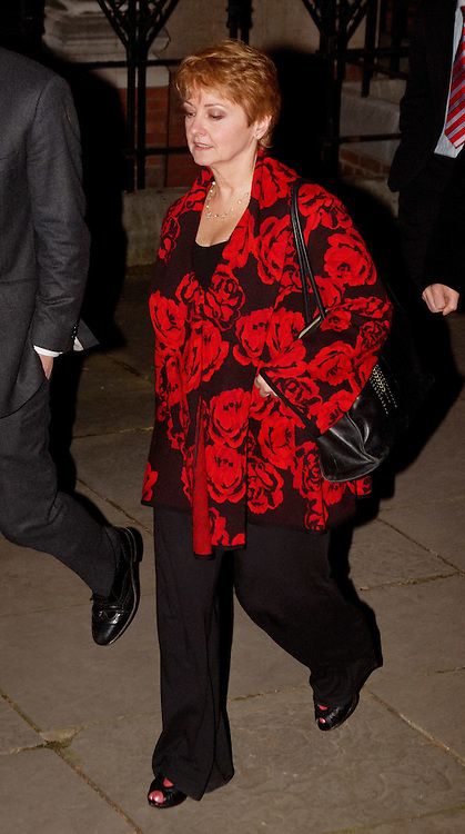London, United Kingdom - 28 November 2011.TV presenter Anne Diamond. Witnesses arrive for hearings for the Leveson Inquiry into allegations of phone hacking by the media. Royal Courts of Justice, Charing Cross, London, England, UK..Copyright: ©2011 Equinox Licensing Ltd. +448700 780000 - Contact: Equinox Features - Date Taken: 20111128 - Time Taken: 163449+0000 - www.newspics.com