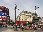 A51PD0 Eros statue Piccadilly Circus London England