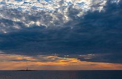 THEMENBILD - eine kleine Insel mit Leuchtturm bei Sonnenuntergang und Gewitterwolken, aufgenommen am 24. Juni 2018 in Porec, Kroatien // a small island with lighthouse at sunset and thunderclouds,Porec, Croatia on 2018/06/24. EXPA Pictures © 2018, PhotoCredit: EXPA/ Stefanie Oberhauser