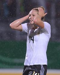 16.06.2011, Bruchwegstadion, Mainz, FIFA WOMENS WORLDCUP 2011, Deutschland (GER) vs. Norwegen (NOR), im Bild  Kim Kulig (Deutschland #14, Hamburg) waehrend eines Vorbereitungsspiels // during a friendly match on 2011/06/16, Bruchwegstadion, Mainz, Germany. + EXPA Pictures © 2011, PhotoCredit: EXPA/ nph/  Roth       ****** out of GER / SWE / CRO  / BEL ******