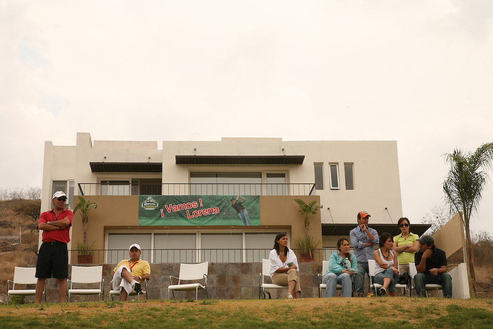 Spectators cheer on Lorena Ochoa during the fourth round of the 2008 Corona Championship at Tres Marias Golf Club in Morelia, Michoacan, Mexico on Sunday, April 13, 2008. .