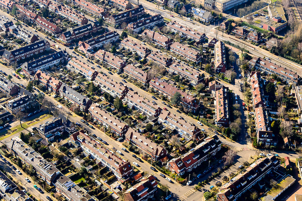 Nederland, Utrecht, Utrecht, 18-02-2015;  de wijk Tuindorp in Utrecht-Noordoost.<br /> Garden village.<br /> luchtfoto (toeslag op standard tarieven);<br /> aerial photo (additional fee required);<br /> copyright foto/photo Siebe Swart