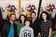 Persdag cast Familiekomedie  Tony Tien in de bakkerswinkel in Amsterdam.<br /> <br /> Op de foto:  Castleden (vlnr) Carlo Boszhard, Rifka Lodeizen, Faas Wijn, Jeroen Spitzenberger en Anna Drijver