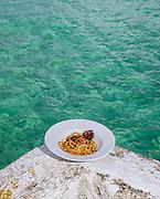 Puglia,Monopoli, spaghetti ai ricci di mare