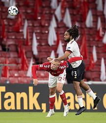 Kasper Dolberg (Danmark) og Jason Denayer (Belgien) under UEFA Nations League kampen mellem Danmark og Belgien den 5. september 2020 i Parken, København (Foto: Claus Birch).