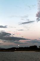 Moon over sandy beach, Hustadvika, Møre og Romsdal - Måne over sandstrand i Hustadvika