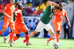 29.06.2014, Castelao, Fortaleza, BRA, FIFA WM, Niederlande vs Mexico, Achtelfinale, im Bild Oribe Peralta (Mexiko) // during last sixteen match between Netherlands and Mexico of the FIFA Worldcup Brazil 2014 at the Castelao in Fortaleza, Brazil on 2014/06/29. EXPA Pictures © 2014, PhotoCredit: EXPA/ fotogloria/ Best Photo Agency<br /> <br /> *****ATTENTION - for AUT, FRA, POL, SLO, CRO, SRB, BIH, MAZ only*****
