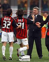 BILDET INNGÅR IKKE I FASTAVTALENE PÅ NETT MEN MÅ KJØPES SEPARAT<br /> <br /> Fotball<br /> Andrea Pirlo<br /> Foto: imago/Digitalsport<br /> NORWAY ONLY<br /> <br /> 13.05.2003  <br /> Trainer Carlo Ancelotti, Andrea Pirlo und Cristian Brocchi (alle Milan) - Schlußjube