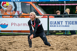Hester Jasper in action. From July 1, competition in the Netherlands may be played again for the first time since the start of the corona pandemic. Nevobo and Sportworx, the organizer of the DELA Eredivisie Beach volleyball, are taking this opportunity with both hands. At sunrise, Wednesday exactly at 5.24 a.m., the first whistle will sound for the DELA Eredivisie opening tournament in Zaandam on 1 July 2020 in Zaandam.