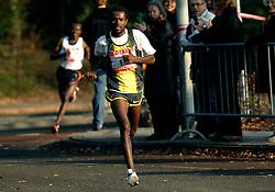 18-11-2007 ATLETIEK: ZEVENHEUVELENLOOP: NIJMEGEN<br /> In de persoon van Sileshi Sihine kreeg de 24e Fortis Zevenheuvelenloop haar verwachte winnaar. De bedrieglijke weersomstandigheden, zonnig maar net iets te veel wind, maakten een nieuw wereldrecord onmogelijk. Sihine finishte in 42.24<br /> ©2007-WWW.FOTOHOOGENDOORN.NL
