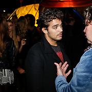 NLD/Amsterdam/20101007 - Europesche premiere Cirque du Soleil Totem, Waylon in gesprek met Henkjan Smits
