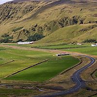 We left Skógafoss and drove heading west, somewhere between Skógar und Núpsstaður.