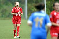 Fotball<br /> Norge<br /> 15.09.2013<br /> Førstedivisjon kvinner<br /> Grei (blue) v Grand Bodø (red)<br /> Foto: Morten Olsen, Digitalsport<br /> <br /> Eva Randi Simonsen (4) - Grand