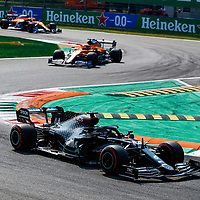 06.09.2020, Autodromo Nazionale di Monza, Monza, FORMULA 1 GRAN PREMIO HEINEKEN D'ITALIA 2020<br />,im Bild<br />Lewis Hamilton (GB#44), Mercedes-AMG Petronas F1 Team, Carlos Sainz Jr. (SPA#55), McLaren F1 Team, Lando Norris (GBR#4), McLaren F1 Team<br /> <br /> Foto © nordphoto / Bratic