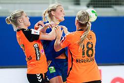 10-12-2014 CRO: EHF EK Nederland - Zweden, Varazdin<br /> Nienke Groot #17, Kelly Dulfer #18 of Netherlands and Jenny Alm #29 of Sweden during handball match between Netherlands and Sweden at 11th EHF European Women's Handball Championship Hungary-Croatia 2014<br /> *** USE NETHERLANDS ONLY ***