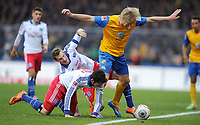 Fotball<br /> Tyskland<br /> 15.02.2014<br /> Foto: Witters/Digitalsport<br /> NORWAY ONLY<br /> <br /> v.l. Marcell Jansen, Hakan Calhanoglu, Håvard Nielsen (Braunschweig)<br /> Fussball Bundesliga, Eintracht Braunschweig - Hamburger SV