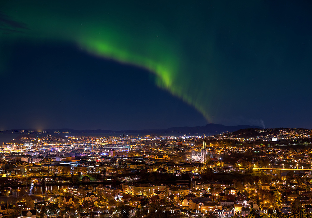 The nothern light which is called nordlys over Trondheim. It was such a fantastic November night Over Trondheim