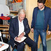 NLD/de Meern/20151009 - Voorleesactie prinses Laurentien + Jan Terlouw boek 'Kapsones', dj Gregor Saltor en Jan Terlouw