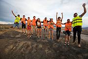 Het team ontspant zich nadat bekend is geworden dat de race is geannuleerd. Het Human Power Team Delft en Amsterdam, dat bestaat uit studenten van de TU Delft en de VU Amsterdam, is in Amerika om tijdens de World Human Powered Speed Challenge in Nevada een poging te doen het wereldrecord snelfietsen voor vrouwen te verbreken met de VeloX 7, een gestroomlijnde ligfiets. Het record is met 121,44 km/h sinds 2009 in handen van de Francaise Barbara Buatois. De Canadees Todd Reichert is de snelste man met 144,17 km/h sinds 2016.<br /> <br /> With the VeloX 7, a special recumbent bike, the Human Power Team Delft and Amsterdam, consisting of students of the TU Delft and the VU Amsterdam, wants to set a new woman's world record cycling in September at the World Human Powered Speed Challenge in Nevada. The current speed record is 121,44 km/h, set in 2009 by Barbara Buatois. The fastest man is Todd Reichert with 144,17 km/h.