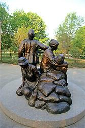 Women's Vietnam Memorial Statue