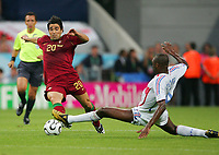 v.l. Deco, Patrick Vieira Frankreich<br /> Fussball WM 2006 Halbfinale Portugal - Frankreich<br /> Portugal - Frankrike<br />  Norway only