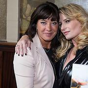 """NLD/Amsterdam/20130613 - Presentatie erotische triller """" Kamer 303 """" van Claudia Schoemacher - van Zweden, met Amanda Beekman"""