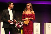 Moderatorenpaar des Abends Jennifer Bosshard und Salar Bahrampoori anlässlich der Glory-Verleihung 2018 am 12. Januar 2019 im Aura Club Zürich.