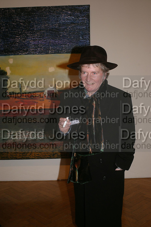 Maggie Hambling. the Triumph of Painting. Part 1. The Saatchi Gallery. 25 January 2005. ONE TIME USE ONLY - DO NOT ARCHIVE  © Copyright Photograph by Dafydd Jones 66 Stockwell Park Rd. London SW9 0DA Tel 020 7733 0108 www.dafjones.com