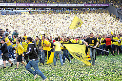 14.05.2011, Signal Iduna Park, Dortmund, GER, 1.FBL, Borussia Dortmund vs Eintracht Frankfurt, im Bild Fans stuermen das Spielfeld //  during the German 1.Liga Football Match,  Borussia Dortmund vs Eintracht Frankfurt, at the Signal Iduna Park, Dortmund, 14/05/2011 . EXPA Pictures © 2011, PhotoCredit: EXPA/ nph/  Conny Kurth       ****** out of GER / SWE / CRO  / BEL ******
