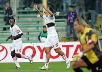 """L'esultanza di Amauri dopo il gol del 2-3 e la delusione del portiere Sebastien Frey<br /> Carvalho de Oliveria Amauri (Palermo) celebrates after scoring goal<br /> Italian """"Serie A"""" 2006-07<br /> 29 Oct 2006 (Match Day 9)<br /> Fiorentina-Palermo (2-3)<br /> """"Artemio Franchi"""" Stadium-Firenze-Italy<br /> Photographer Luca Pagliaricci INSIDE<br /> www.insidefoto.com"""