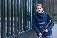 AMSTERDAM - Pinoke speler Dennis Warmerdam, die in mei noodgedwongen stopte met tophockey doordat hij kanker in zijn arm had.  Dennis heeft zijn arm kunnen behouden en voelt zich goed. COPYRIGHT KOEN SUYK