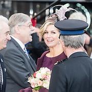NLD/Huizen/20161130 - Staatsbezoek Belgie dag 3 - Koningin Mathilde en Koningin Maxima bezoeken Utrecht CS, Koningin Maxima neemt afscheid