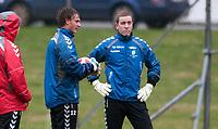 Fotball<br /> 29. Mars 2012<br /> Tippeligaen<br /> Nymark gress<br /> Brann trening<br /> Brann keeper Øystein Øvretveit (L) og den Islandske landslagskeeperen Hannes Haldórsson (R) , som er på lån til Brann fra KR Reykjavik til og med 1. Mai<br /> Foto: Astrid M. Nordhaug