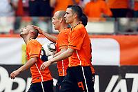 Fotball<br /> Nederland v Ungarn<br /> Foto: Proshots/Digitalsport<br /> NORWAY ONLY<br /> <br /> seizoen 2009 / 2010 , amsterdam 05-06-2010 oefeninterland nederland - hongarije wesley sneijder met arjen robben en robin van persie