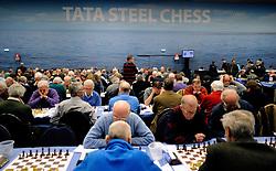 17-01-2011 SCHAKEN: TATA STEEL CHESS TOURNAMENT: WIJK AAN ZEE <br /> Honderden amateur schakers doen weer mee aan het toernooi<br /> ©2010-WWW.FOTOHOOGENDOORN.NL