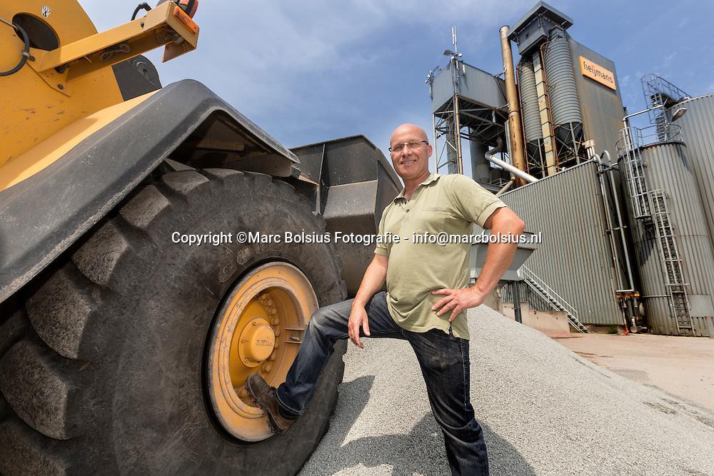 Nederland,  Den Bosch, chef asfaltcentrale van Heijmans Fred Cissen