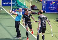 AMSTELVEEN - Florian Fuchs (Dui) juicht na het doelpunt van Constantin Staib (Dui)  tijdens de wedstrijd heren, Duitsland-Wales (8-1) bij het  EK hockey . COPYRIGHT KOEN SUYK