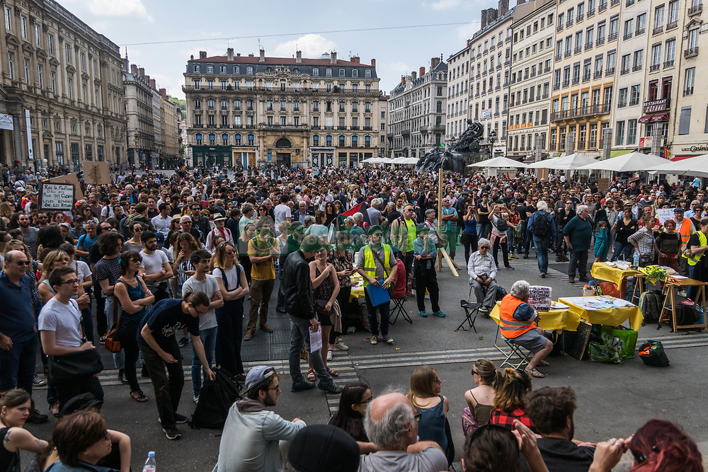 May 5, 2018 - Lyon, France - Hundreds take part in ''The party for Macron'' (La Fete a Macron) rally called to protest against policies of the French president on the first anniversary of his election, on May 5, 2018 in Lyon. (Credit Image: © Nicolas Liponne/NurPhoto via ZUMA Press)