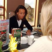 Bibliotheek Huizen tuinarchitecte geeft gratis tuinadvies