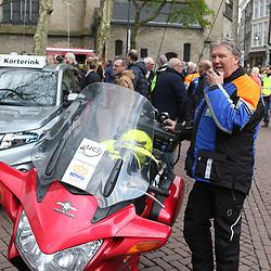 16-04-2016: Wielrennen: IJsseldelta Topcompetitie vrouwen: Zwolle<br />ZWOLLE (NED) wielrennen Wind was in deze editie de grootste tegenstanders van de vrouwen.<br />KNWU motor jury in het nieuw gestoken